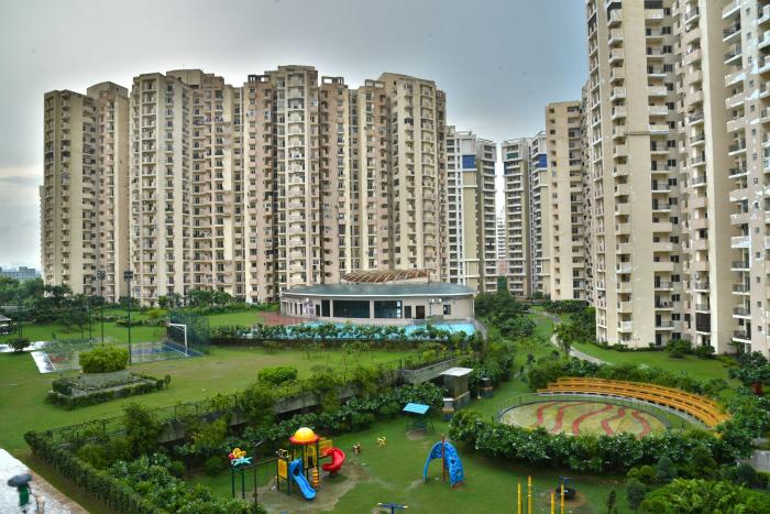 Paramount Floraville In Sector 137 Noida Amenities Layout Price